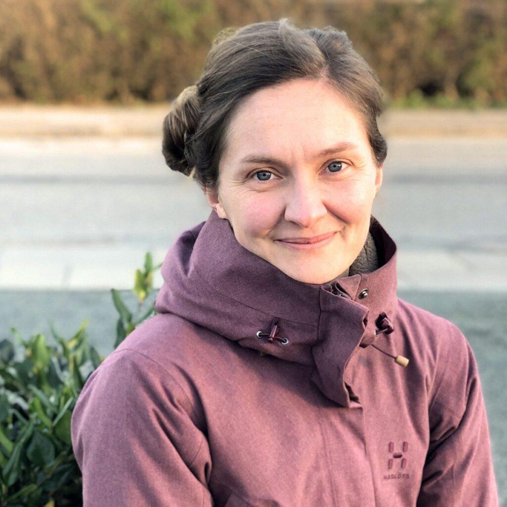 Anne Holst, familiens hageentusiast og kommunikasjonsansvarlig i Land Højbede / LandHage.no