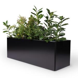 Land Black avlang blomsterkasse i svart aluminium fra LandHage.no